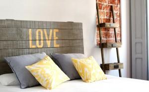 Ideas para cabeceros de cama - Cabecero hecho con tablas de madera