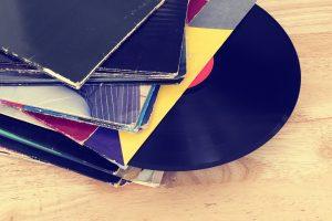 records-1223305_1920