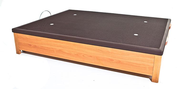 Canapé de madera Cris Ingravity con sistema Easy Move