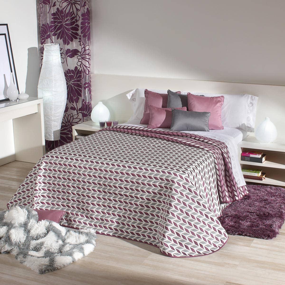 Colchas baratas y bonitas para tu cama colch n expr s - Camas con dosel baratas ...