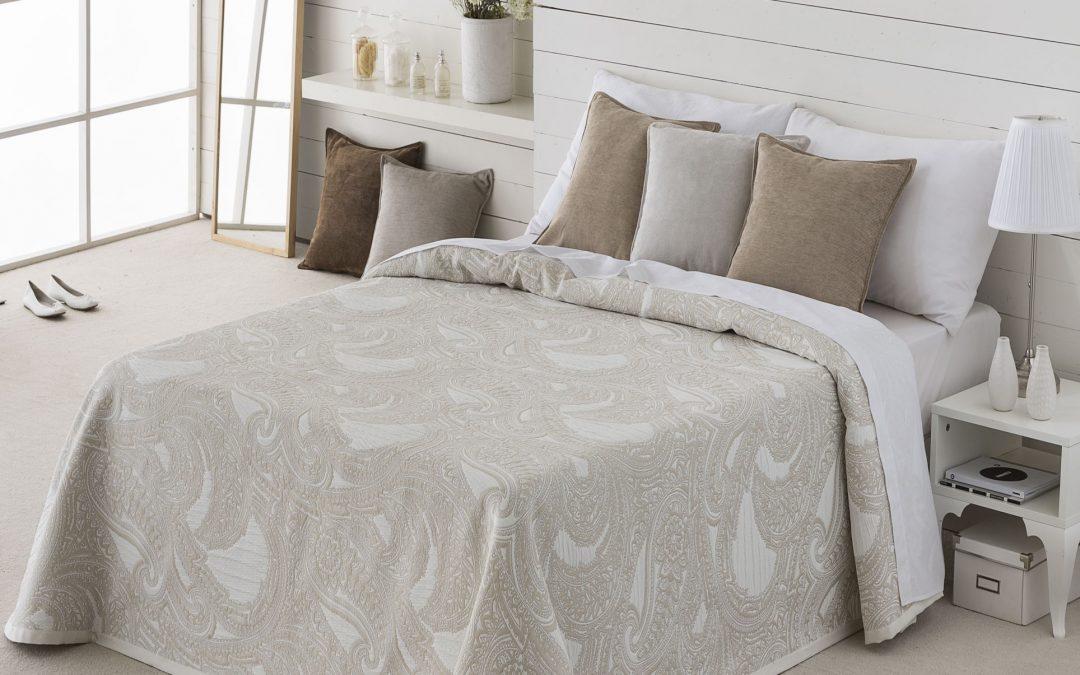 Colchas baratas y bonitas para tu cama colch n expr s - Camas de diseno baratas ...