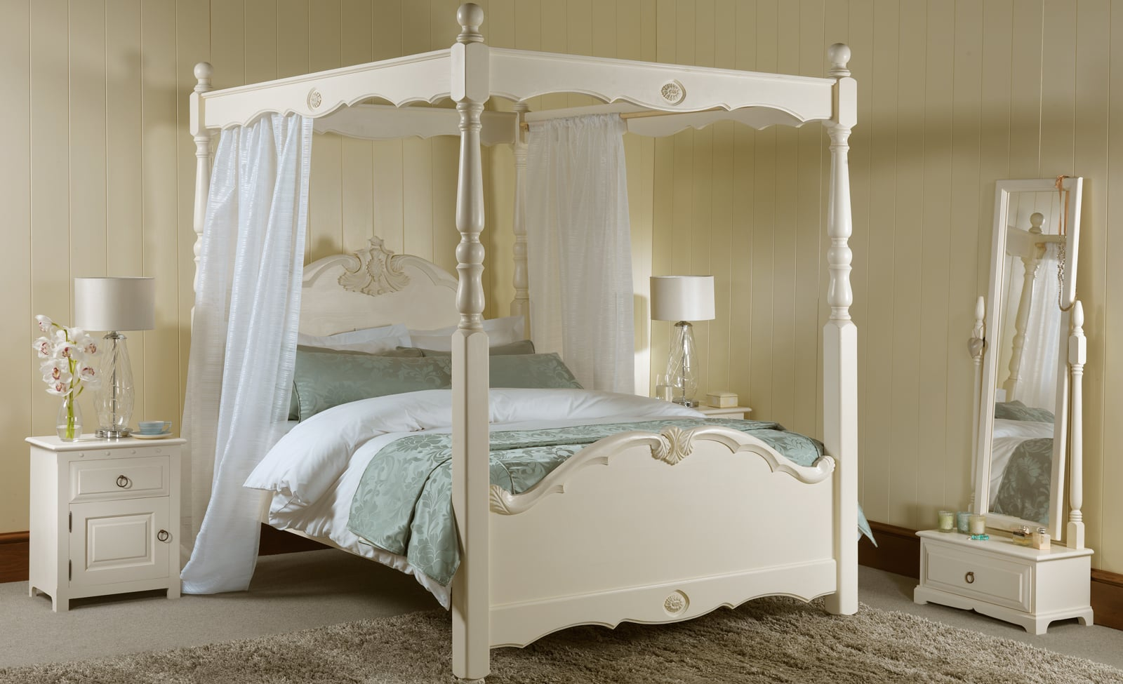 El encanto de la cama con dosel colch n expr s for Four poster dog bed for sale