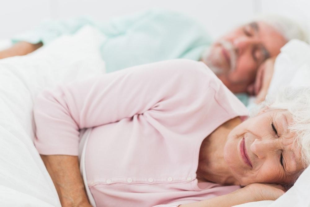 C mo dormir bien cada noche consejos de descanso colch n - Como dormir bien ...