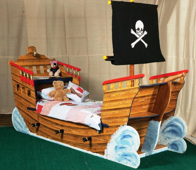 Camas para ni os peque os c modas y bonitas colch n expr s - Cama barco pirata ...