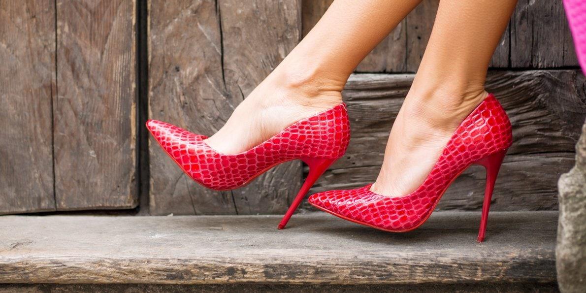 cuidado con los zapatos de tacón