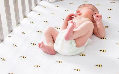 Postura correcta para dormir a un bebé