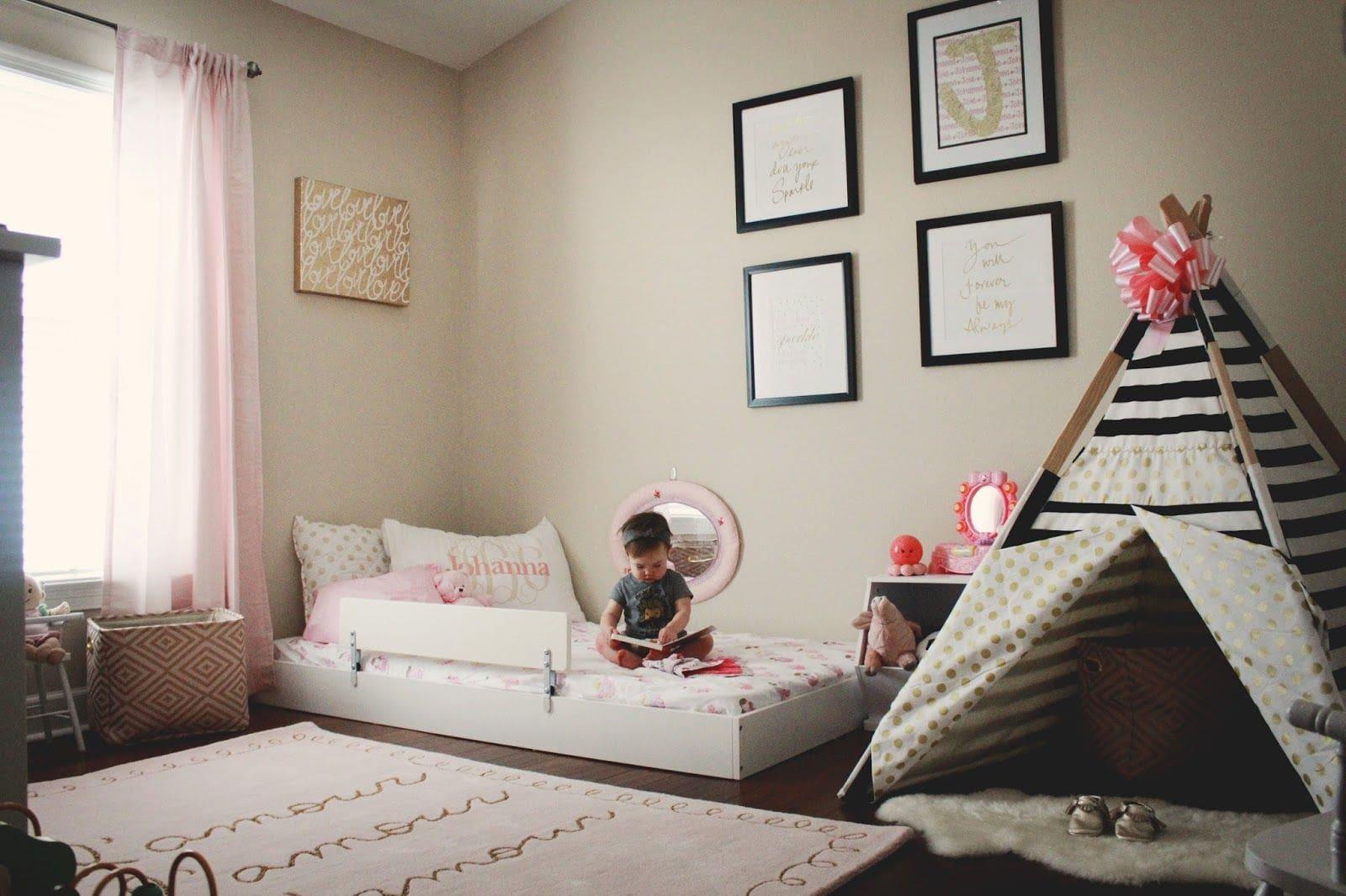 habitación infantil con cama baja