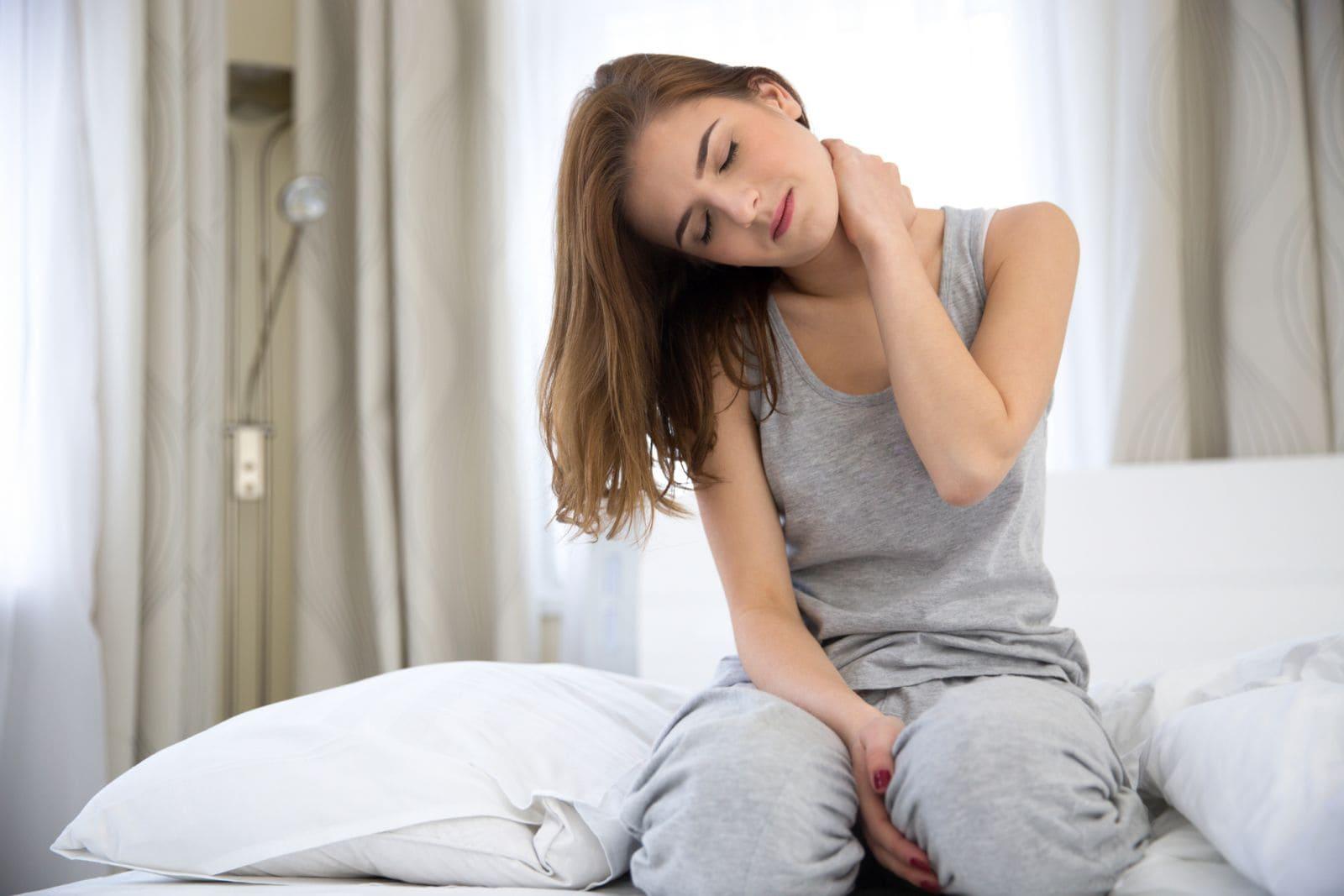 dolor ocasionado al dormir sin almohada