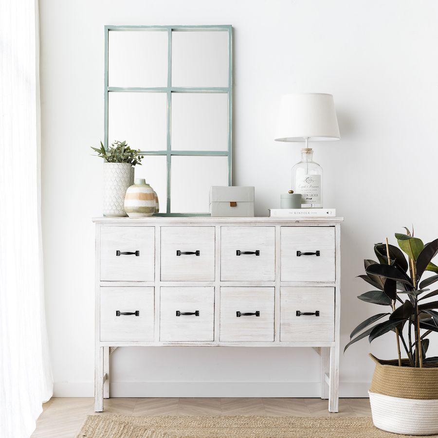 las cómodas son ideales para almacenar pequeños objetos en el dormitorio