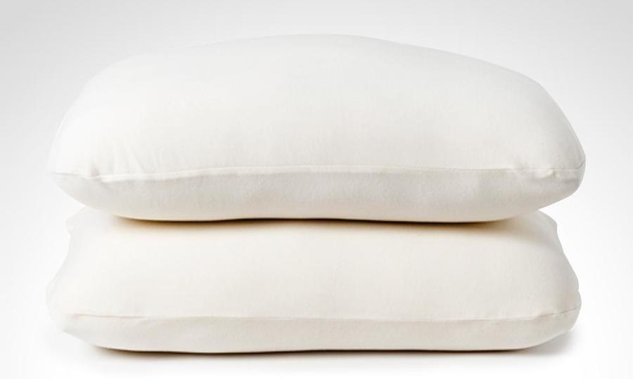 las almohadas grandes y altas son adecuadas para dormir de lado