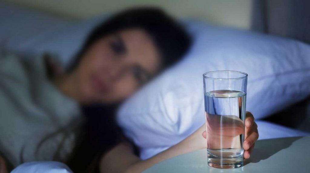 beber agua para combatir la boza seca