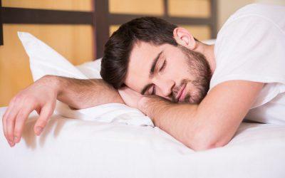 ¿Es malo dormir boca abajo?