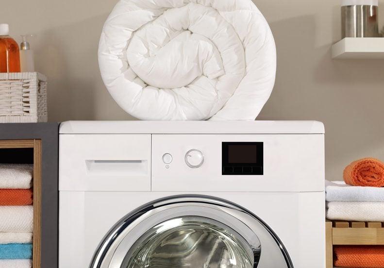 Lavadora grande para lavar un edredón de plumas