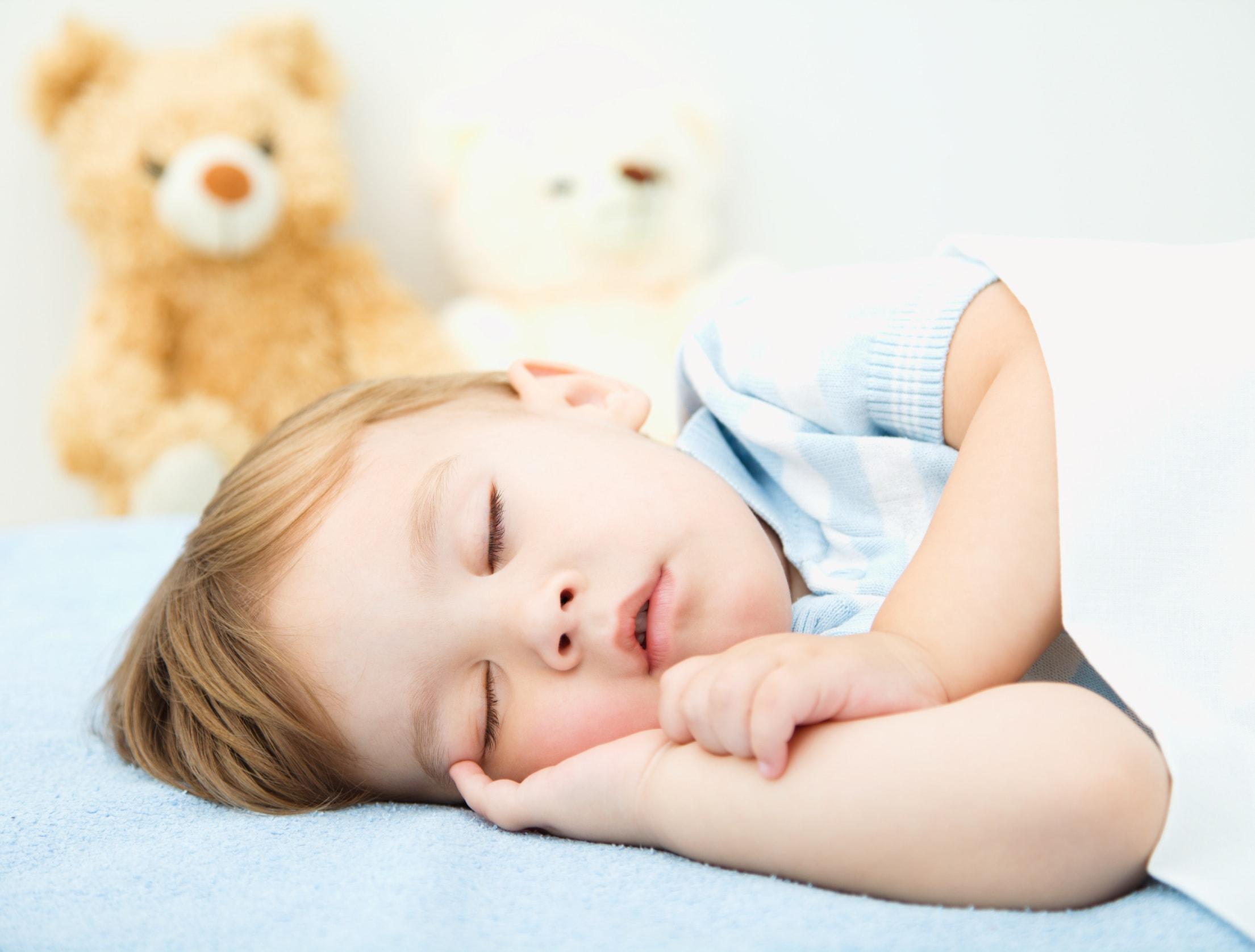 cuando empezar a usar almohada infantil