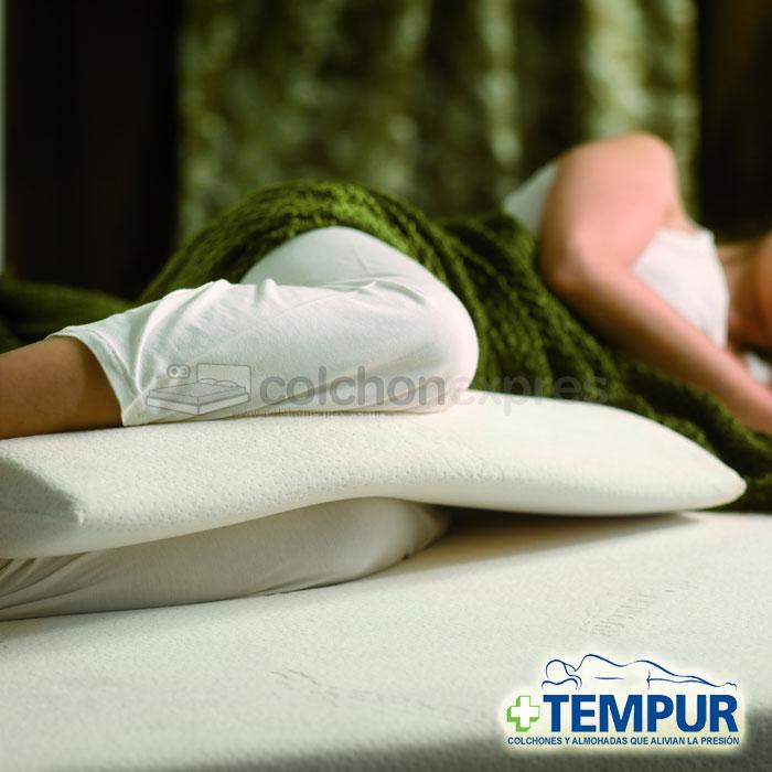 Trucos para dormir mejor embarazada consejos del for Almohada tempur oferta